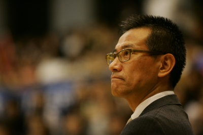 Coach Shuji Ono (Photo by NORIO TSUBURAOKA)